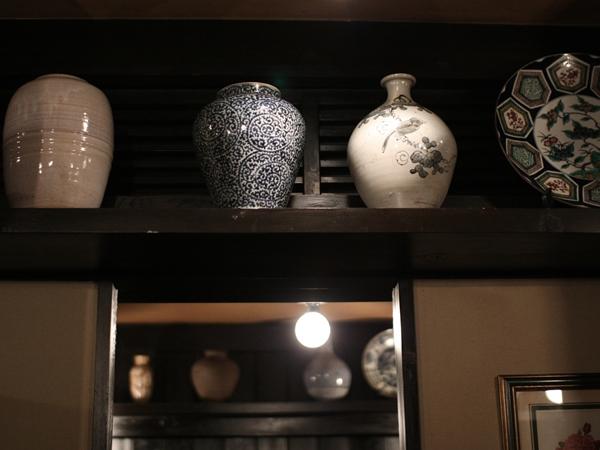 陶器の壺も
