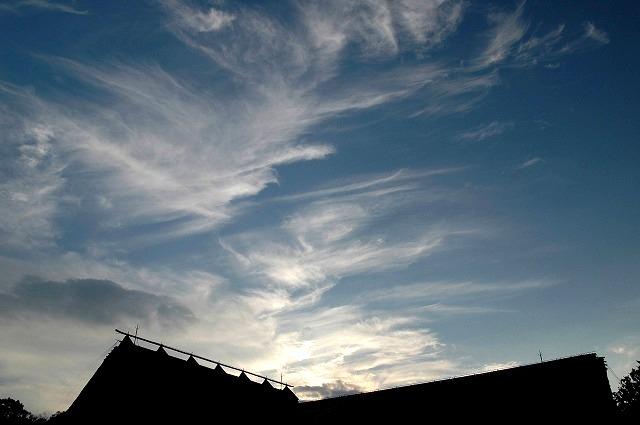 延養亭の上の雲
