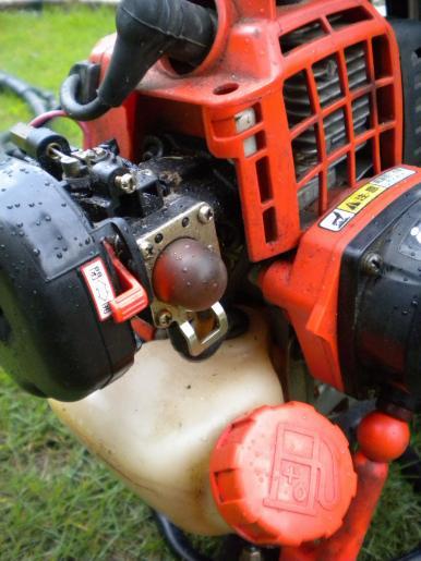草刈り機ー1