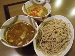 11021314○汁屋・限定メニュー グリーンカレーつけ麺(醤油 800円&味噌 900円)