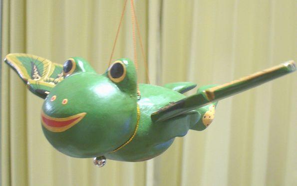 空飛ぶカエル3