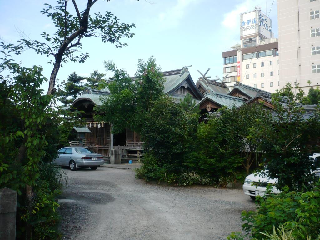 須衛都久神社2