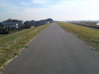 道のきれいな茨城側