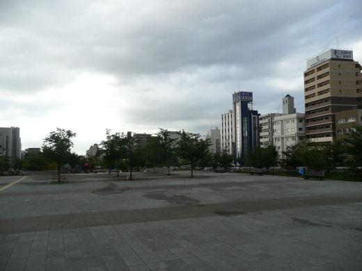 神戸市・生田川公園(神戸芸術センター側、10.9.1)