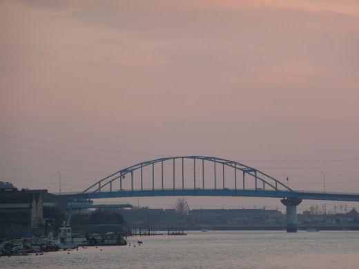 倉敷市・玉島大橋(玉島3丁目より、10.12上旬)
