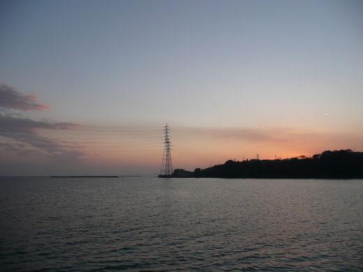 倉敷市玉島・柏島神社方向風景(乙島西小型船舶係留施設より その2、10.12上旬)