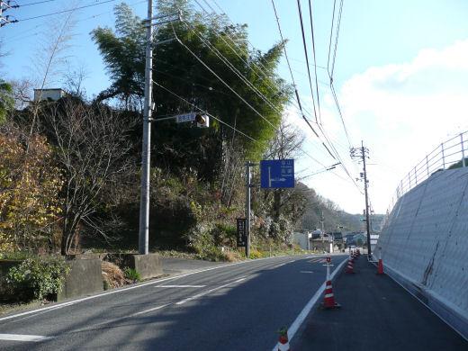 真庭市・下中津井信号交差点(北手前南向き風景、10.12上旬)