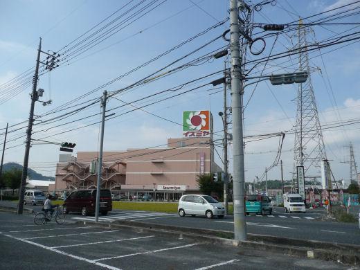 岡山市北区・イズミヤ津高店東側信号交差点(南西向き風景、10.10中旬)