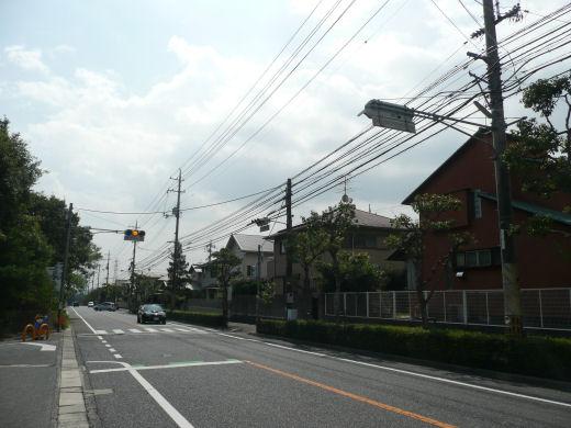 岡山市北区・佐山2505番地信号交差点(南向き全景、10.9下旬)