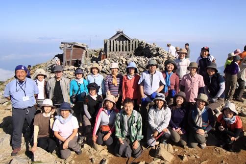 木曽駒ヶ岳山頂にて記念写真