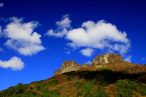 雲わく立岩