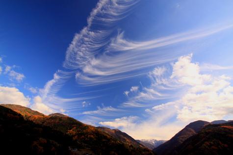 大西公園から造形雲と赤石岳
