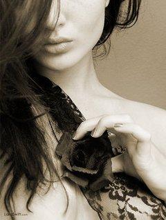 綺麗な女性 モノクロ