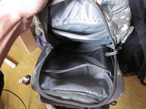 U.Sミリタリーバックパック 中ポケット