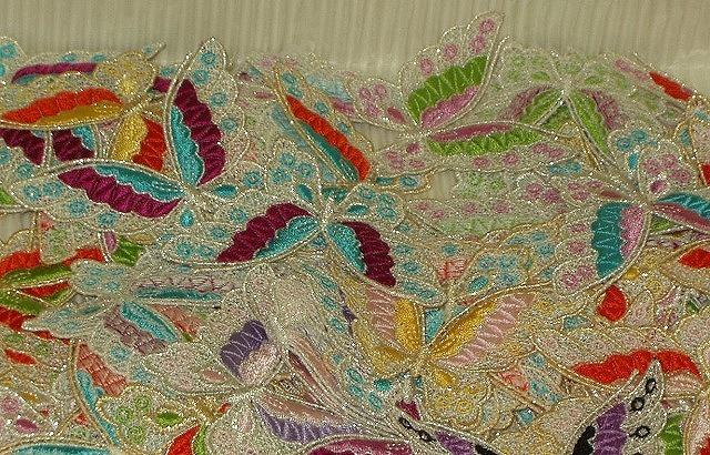 刺繍レース蝶