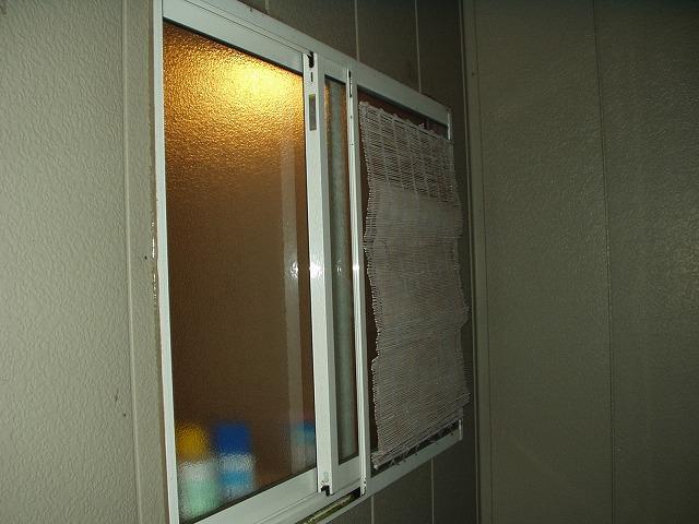 続ー風呂場の窓目隠し現状-3