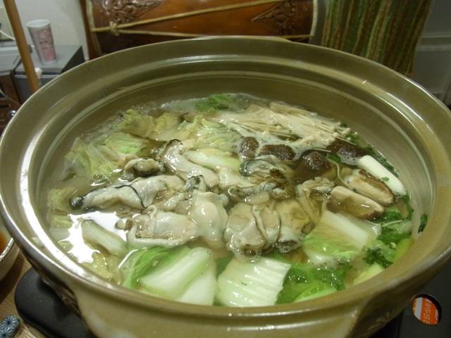 やぶちゃん鍋 まずは牡蠣投入!