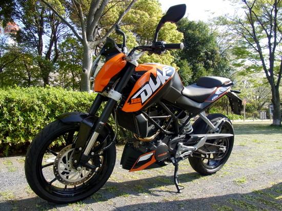 KTM20110519DUKE125aokitakao003.jpg