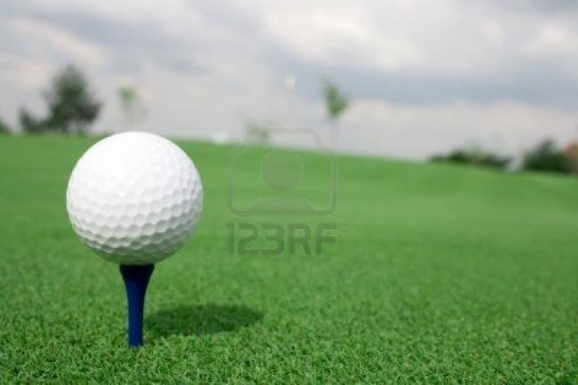 4066116-golf-ball-ready-for-tee-off.jpg