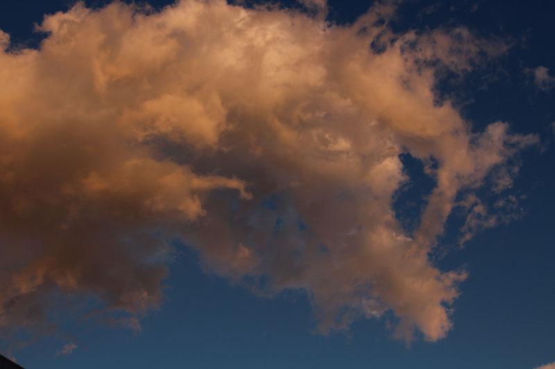 雲・アイセル付近から 120111
