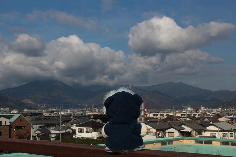 0164 山を見る