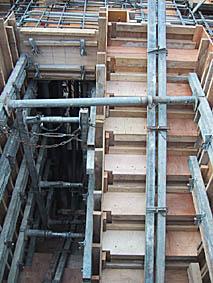階段の中身2
