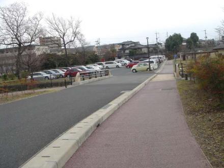2011,3,21 50台収容の駐車場