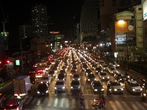 アソーク交差点の大渋滞
