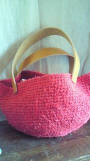 裂き編み松本クラフトフェアに作った赤いバッグ