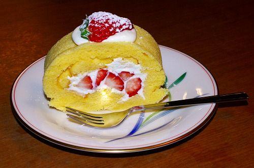 s-イチゴロールケーキ