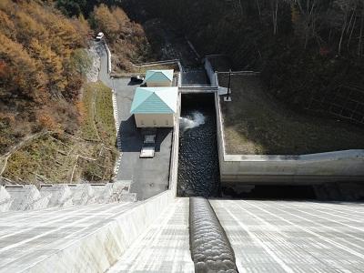 琴川ダム 下流側直下