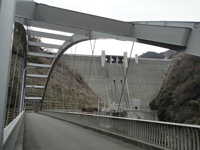 石小屋橋から宮ヶ瀬ダム