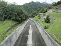 矢木沢ダム 洪水吐