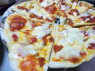 完熟トマトピザ