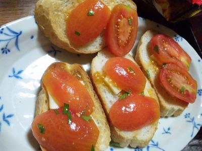 完熟トマトのカナッペ