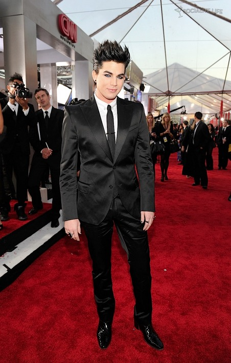 2010-sag-awards-adam-lambert
