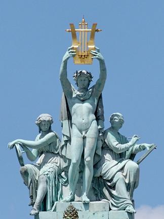 Apollon_opera_Garnier_ガルニエ宮・オペラ座のアポロン像