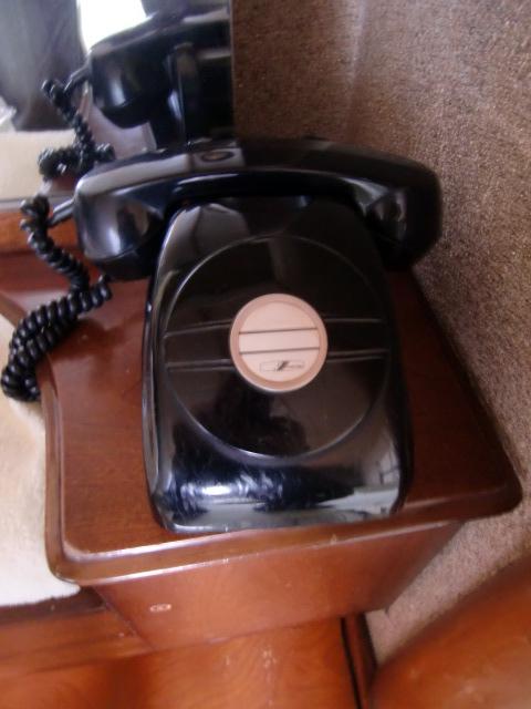 青葉荘黒電話