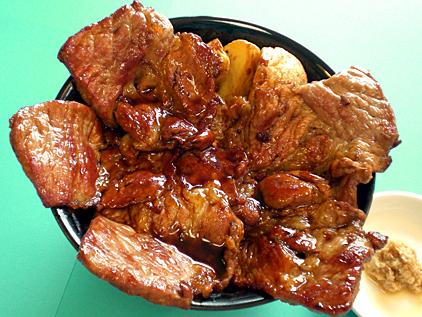 オホーツク北斗ポークの 特盛り豚丼