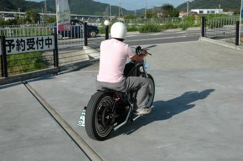 xl883-yosi-2.jpg