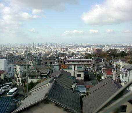 大阪平野を一望