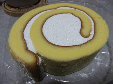 ヤマザキ「しっとりロールケーキ」2