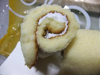 ヤマザキ「スティックロール チーズ味」2