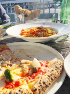 ピザとパスタ。