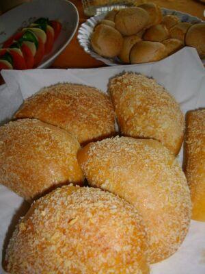 焼きカレーパンとポンデ