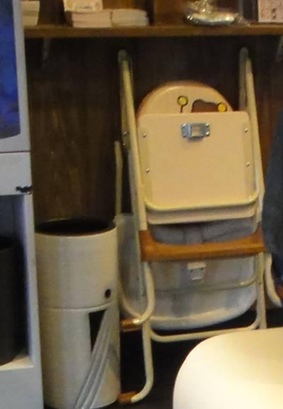 ばーばら 椅子