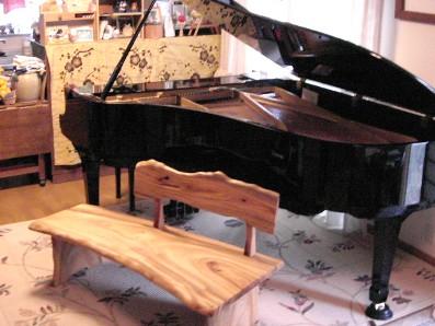 ピアノとベンチ♪