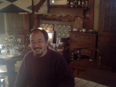 家具作家の久保田堅さん。