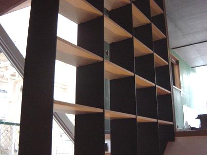 階段本棚1