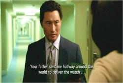 君のお父さんが時計を運ぶために地球を半周させたんだ